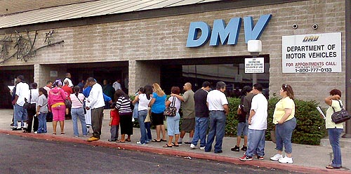 dmv-line-of-people